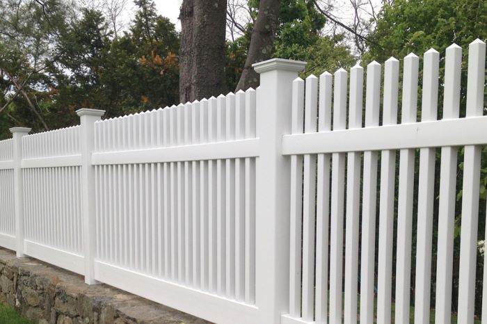 Savannah Georgia Fence Company, ActiveYards Chestnut Scalloped vinyl picket fence
